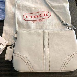 NWT Coach white leather wristlet w dustbag